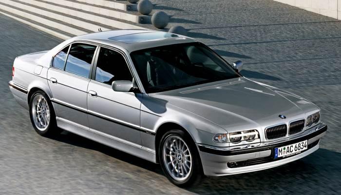 foto-BMW-7-E38-foto