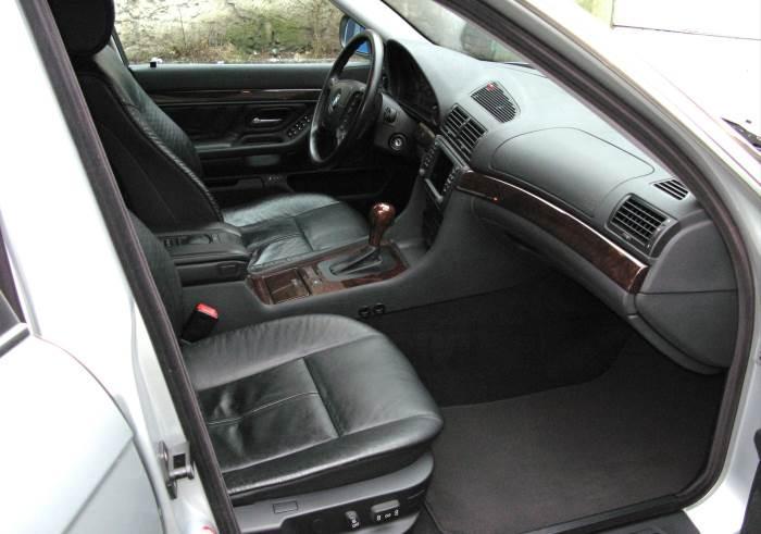 salon-BMW-7-E38-foto