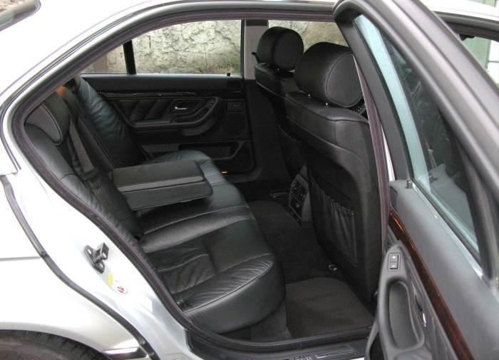 salon-foto-BMW-7-E38