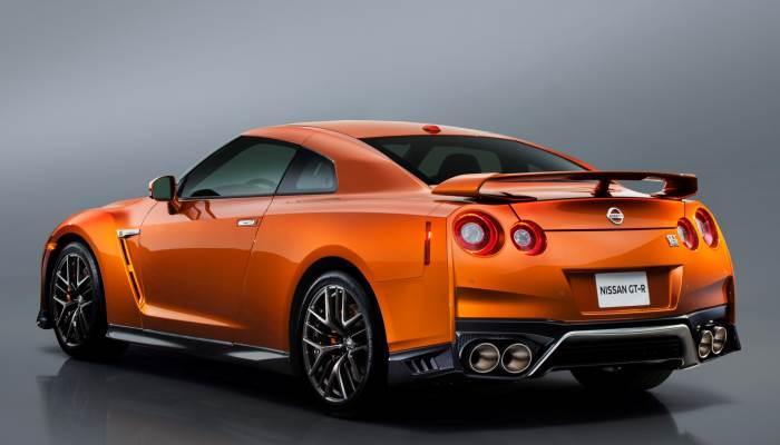 2016-Nissan GT-R
