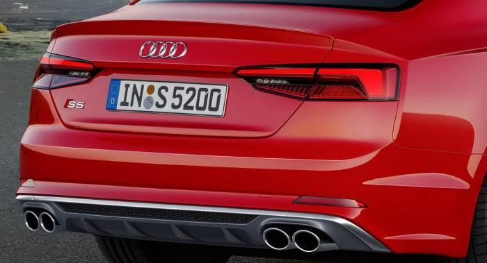 Audi S5-2016
