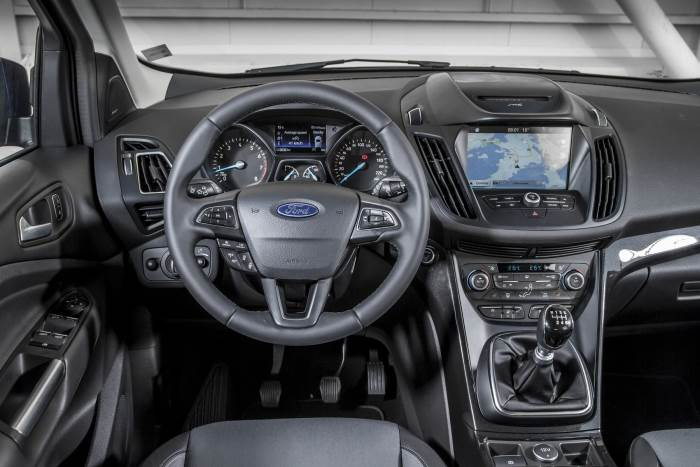 salon-Ford Kuga 2017