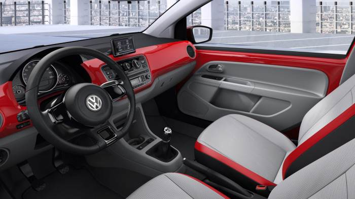 volkswagen_up_interior