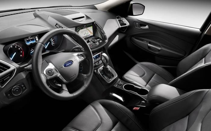2013-Ford-Escape-salon