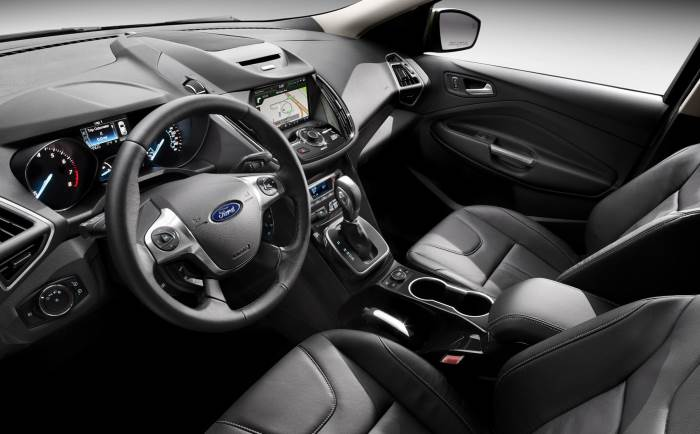 2013-Ford-Escape-salon