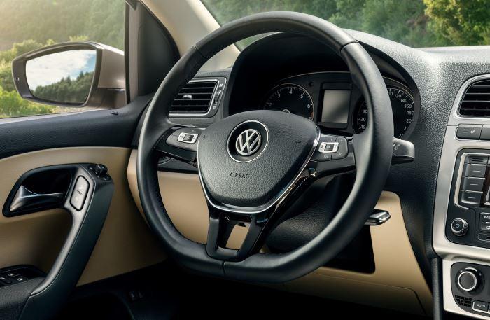Volkswagen Polo Sedan-2019 (7)